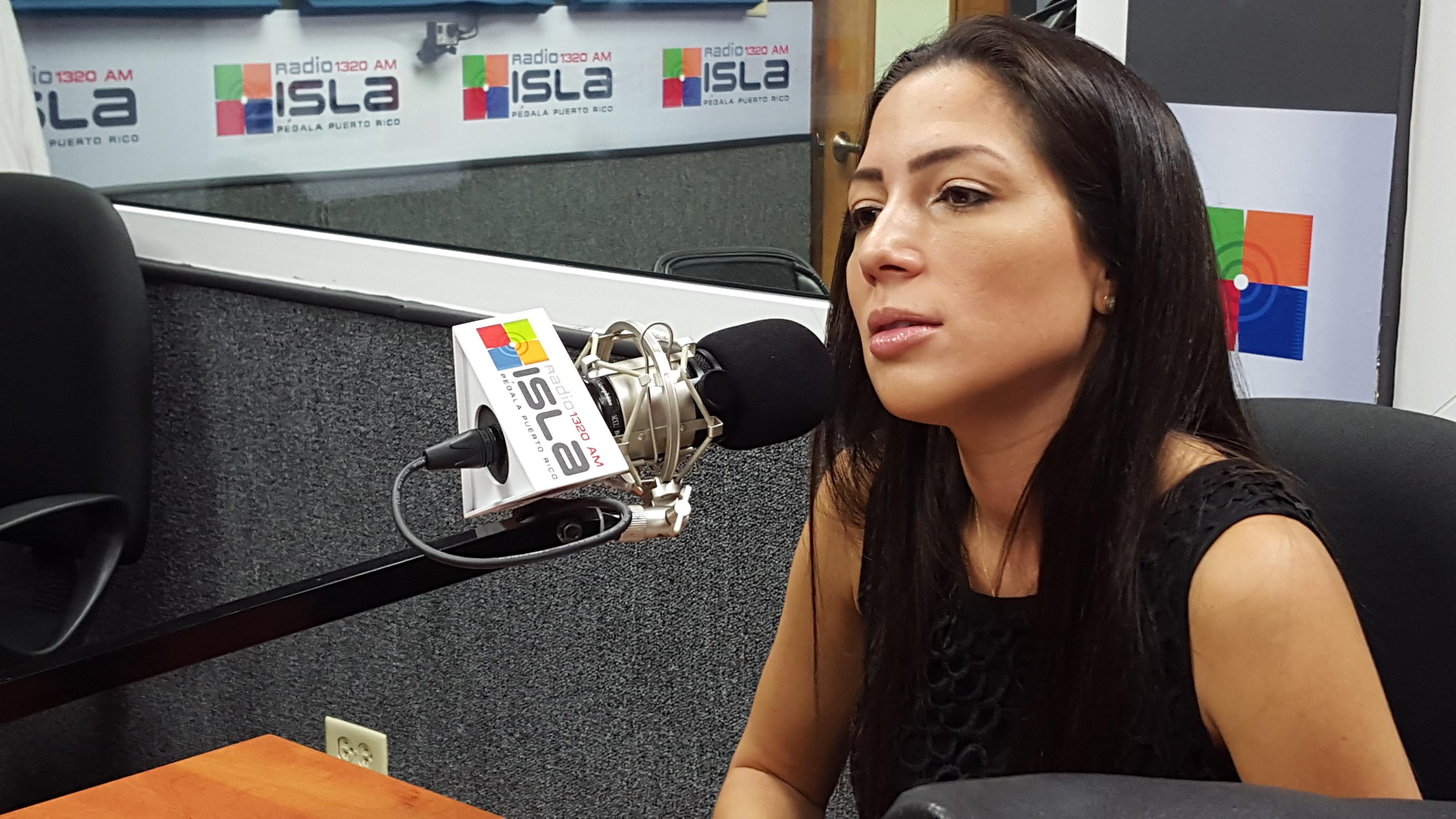 alexandra lúgaro el ppt y el pip se hundieron solos radio isla